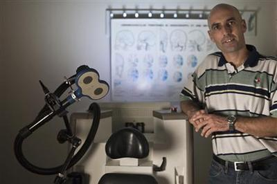 Israeli medical device offers new Alzheimer's treatmen...