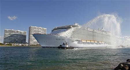 Royal Caribbean International's cruise ship 'Allure of the Seas' enters its new home port in Fort Lauderdale as seen from nearby Hollywood, Florida, November 11, 2010. REUTERS/Joe Skipper