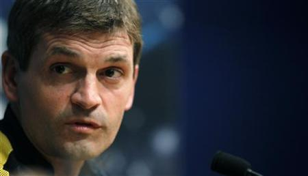Barcelona's coach Tito Vilanova attends a news conference at Camp Nou stadium on the eve of their Champions League soccer match against Celtic in Barcelona, October 22, 2012. REUTERS/Albert Gea