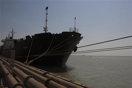 A ship docks at the Bandar Imam Khomeini port in Khuzestan province,1032 km (641 miles) southwest of Tehran September 28, 2011. REUTERS/Raheb Homavandi