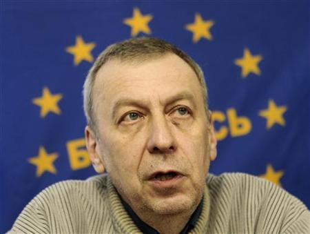 Former presidential candidate Andrei Sannikov speaks during a news conference in Minsk April 17, 2012. REUTERS/Vasily Fedosenko