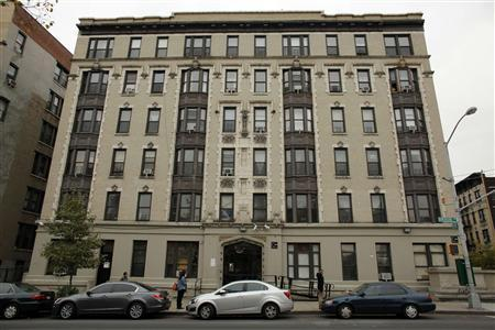 General view of the apartment building where Yoselyn Ortega lives in New York, October 26, 2012. REUTERS/Eduardo Munoz