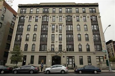 New York nanny attempted suicide in front of dead...