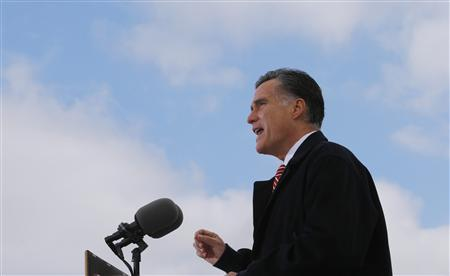 U.S. Republican presidential nominee Mitt Romney delivers a speech on the U.S. economy and health care as he campaigns in Ames, Iowa October 26, 2012. REUTERS/Brian Snyder