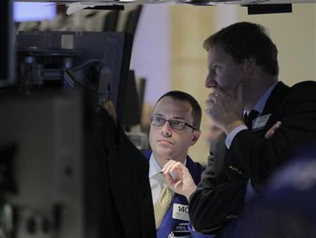 Traders work on the floor of the New York Stock Exchange, October 24, 2012. REUTERS/Brendan McDermid