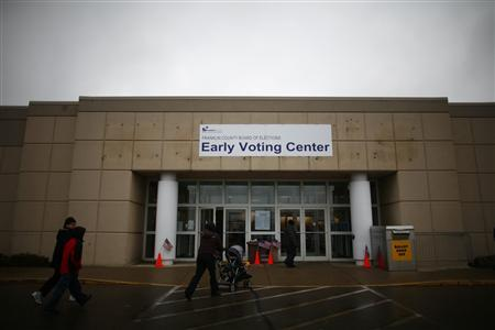An early voting center is seen in Columbus, Ohio October 30, 2012. REUTERS/Eric Thayer