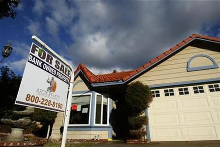 A foreclosed home is shown in Corona, California, in this December 18, 2008 file photo. REUTERS/Lucy Nicholson/Files