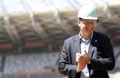 Secretário-geral da Fifa, Jérôme Valcke, sorri durante inspeção do estádio do estádio do Mineirão, em Belo Horizonte. A Fifa vai confirmar na próxima semana se as seis cidades pré-selecionadas para receber a Copa das Confederações de 2013 serão mantidas na competição preparatória para a Copa do Mundo de 2014 no Brasil. 16/10/2012 REUTERS/Washington Alves