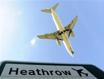 <p>Une filiale du fonds souverain chinois China Investment Corp (CIC) a racheté 10% de l'aéroport londonien d'Heathrow, annonce l'agence officielle Chine nouvelle. /Photo d'archives/REUTERS/Toby Melville</p>
