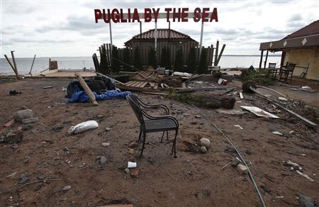 The remains of a restaurant destroyed by Hurricane Sandy is seen on the south shore of the Staten Island section of New York City, November 1, 2012. REUTERS/Mike Segar