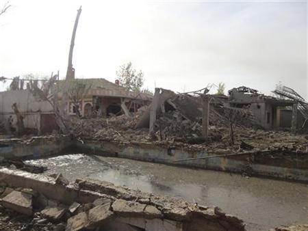 A view of buildings damaged in what activists said were Syrian Air Force attacks by fighters loyal to Syria's President Bashar al-Assad in Douma near Damascus November 1, 2012. Picture taken November 1, 2012. REUTERS/Ahmed Taqi Al-Edeenn/Shaam News Network
