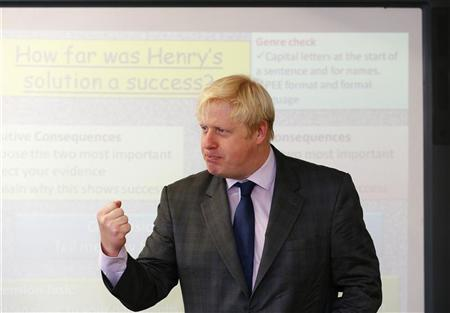 London Mayor Boris Johnson asks secondary school children questions during a history lesson at Pimlico Academy in London October 19, 2012. REUTERS/Andrew Winning