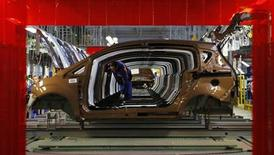 Un impianto produttivo Ford a Craiova, in Romania. REUTERS/Bogdan Cristel (ROMANIA - Tags: TRANSPORT BUSINESS)