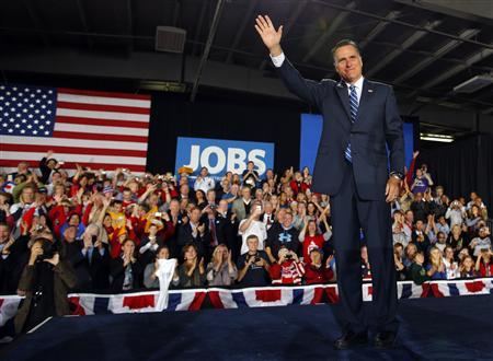 Republican presidential nominee Mitt Romney takes the stage to deliver a speech in West Allis, Wisconsin November 2, 2012. REUTERS/Brian Snyder