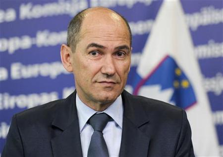 Prime Minister of Slovenia Janez Jansa addresses a news conference at the EU Commission headquarters in Brussels June 27, 2012. REUTERS/Laurent Dubrule