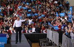 Candidatos à presidência buscam voto de eleitores nos Estados do Meio-Oeste, como Ohio. 02/11/2012. REUTERS/Jason Reed