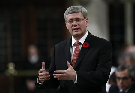 Canada's Prime Minister Stephen Harper speaks during Question Period in the House of Commons on Parliament Hill in Ottawa November 1, 2012. REUTERS/Chris Wattie