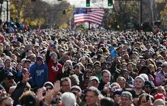 Milhares de partidários do presidente dos EUA, Barack Obama, participam de comício em Concord, New Hampshire, EUA. A corrida eleitoral nos Estados Unidos entre o presidente Barack Obama e seu oponente republicano Mitt Romney permanece em um impressionante empate a dois dias das eleições de terça-feira, de acordo com a pesquisa diária Reuters/Ipsos divulgada neste domingo. 04/11/2012 REUTERS/Jason Reed