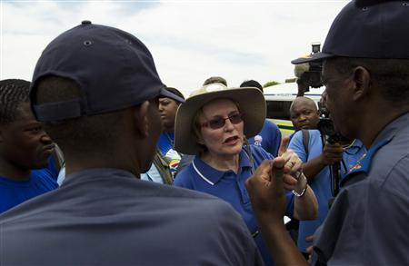 Helen Zille, leader of the opposition Democratic Alliance party, speaks to the media after police officials blocked her attempts to walk near South African President Jacob Zuma's home in Nkandla November 4, 2012. REUTERS/Rogan Ward