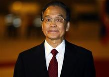 China's Premier Wen Jiabao arrives at Vientiane airport November 4, 2012. REUTERS/Damir Sagolj (LAOS - Tags: POLITICS)