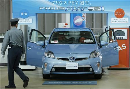 Toyota's Prius PHV is displayed at its showroom in Tokyo October 23, 2012. REUTERS/Kim Kyung-Hoon