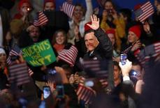 El candidato republicano a la presidencia de Estados Unidos, Mitt Romney, ex gobernador de Massachusetts, intenta por segunda vez llegar a la Casa Blanca. En la imagen, Romney durante un mitin de campaña en Newport News, Virginia, el 4 de noviembre de 2012. REUTERS/Brian Snyder