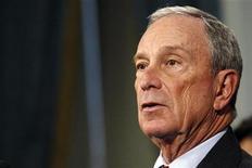Prefeito de Nova York Michael Bloomberg diz que autoridades eleitorais da cidade enfrentam problemas para lidar com consequências da supertempestade Sandy. 26/10/2012. REUTERS/Eduardo Munoz