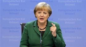 Chanceler alemã, Angela Merkel, faz discurso durante coletiva de imprensa ao final do segundo dia da cúpula de líderes da União Europeia, em Bruxelas. A coalizão de centro-direita da chanceler alemã, Angela Merkel, chegou a um acordo nesta segunda-feira sobre polêmicas questões sociais, acreditando que reforçarão o seu apoio na contagem regressiva para as eleições federais em setembro do ano que vem. 19/10/2012 REUTERS/Christian Hartmann