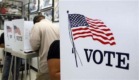 Voters take advantage of the first day of early voting at the Los Angeles County Registrar-Recorder/County Clerk's office in Norwalk, California October 25, 2012. REUTERS/Alex Gallardo