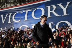 El Colegio Electoral fue establecido en la Constitución de Estados Unidos como un equilibrio entre la elección de un presidente por parte del Congreso o por voto popular. En la imagen, el candidato republiano a la presidencia Mitt Romney tras un rally de campaña en Columbus, Ohio, el 5 de noviembre de 2012. REUTERS/Brian Snyder