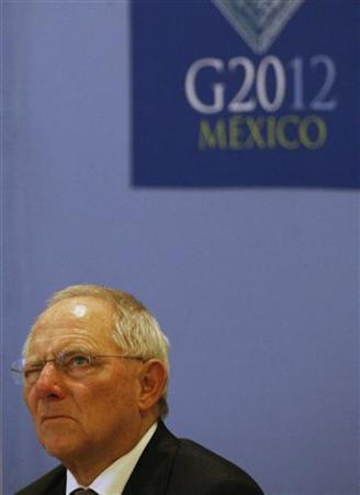 Germany's Finance Minister Wolfgang Schaeuble attends a news conference at the G20 Summit in Mexico City November 5, 2012. REUTERS/Bernardo Montoya (MEXICO - Tags: POLITICS BUSINESS)