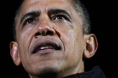 Un emocionado presidente de Estados Unidos, Barack Obama, puso fin a su campaña para la reelección el lunes en Iowa, el lugar que lanzó su primera carrera a la Casa Blanca y que podría ser la clave para su futuro político. En la imagen, Obama con lágrimas en la mejilla durate su último mitin de campaña en Des Moines, Iowa, el 5 de noviembre de 2012. REUTERS/Jason Reed