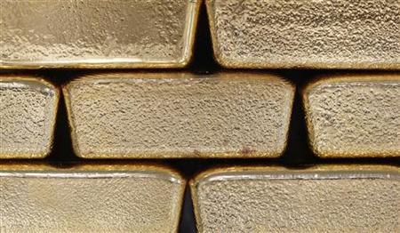 Gold bars are pictured at the Austrian Gold and Silver Separating Plant 'Oegussa' in Vienna August 26, 2011. REUTERS/Lisi Niesner