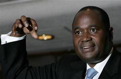 Zimbabwe's central bank Governor Gideon Gono gestures during a news conference at his office in Harare February 20, 2009. REUTERS/Philimon Bulawayo