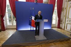 French Prime Minister Jean-Marc Ayrault speaks during a news conference to outline the Socialist government's plans for restoring industrial competitiveness in response to Gallois' commissioned report at the Hotel Matignon offices in Paris November 6, 2012. REUTERS/Philippe Wojazer