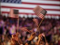 Seguidores do presidente norte-americano, Barack Obama, durante evento de campanha na noite de terça-feira em Chicago, nos Estados Unidos. 06/11/2012 REUTERS/Philip Scott-Andrews