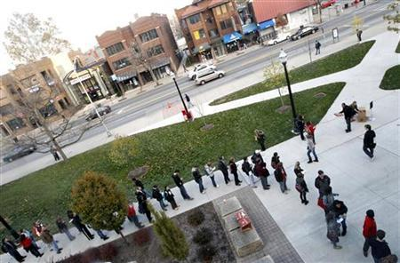 Voters wait in line outside the Ohio Union to cast their ballots during the U.S. presidential election at The Ohio State University in Columbus, Ohio November 6, 2012. REUTERS/Matt Sullivan