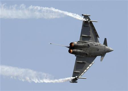 A Eurofighter Typhoon plane flies during an international air show in Belgrade September 2, 2012. REUTERS/Marko Djurica