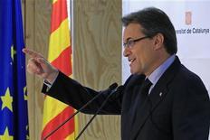 El presidente catalán, Artur Mas, que aspira a que Cataluña sea un estado propio en el seno de la Unión Europea, pidió el miércoles a Bruselas que no abandone a una región en la que ha crecido el deseo de independizarse de España. En la imagen, Mas en rueda de prensa en Bruselas el 7 de noviembre de 2012. REUTERS/Yves Herman