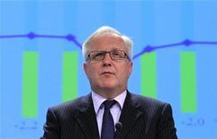 La Comisión Europea se centrará en el déficit estructural y no en el nominal a la hora de evaluar si España ha tomado medidas efectivas para reducir el saldo negativo como parte del procedimiento de la Unión Europea por déficit excesivo, dijo el comisario europeo de Asuntos Económicos y Monetarios. En la imagen, Olli Rehn en rueda de prensa en Bruselas el 7 de noviembre de 2012. REUTERS/Yves Herman