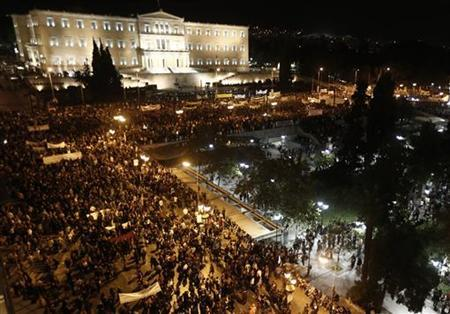 Protestors gather in front of the parliament in Syntagma square during a 48-hour strike by the two major Greek workers unions in central Athens November 7, 2012. REUTERS/John Kolesidis