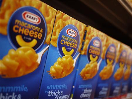Kraft macaroni and cheese products are seen on the shelf at a grocery store in Washington, in this May 3, 2012, file photo. REUTERS/Jonathan Ernst/Files