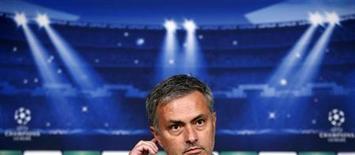 El Real Madrid contrató a José Mourinho porque consigue resultados y los consigue de forma rápida pero el portugués se ha visto obligado a explicar en las últimas semanas porqué no da más oportunidades a los canteranos del club. En la imagen, Mourinho en rueda de prensa en el Bernabéu el 5 de noviembre de 2012 en Madrid. REUTERS/Sergio Pérez