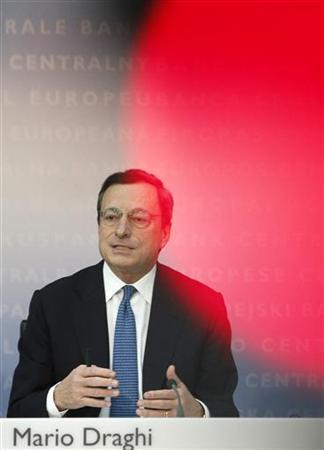 European Central Bank (ECB) President Mario Draghi gestures during a news conference in Frankfurt, November 8, 2012. REUTERS/Lisi Niesner (GERMANY - Tags: BUSINESS)
