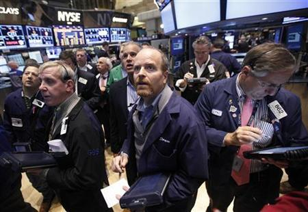 Traders work on the floor of the New York Stock Exchange, November 8, 2012. REUTERS/Brendan McDermid
