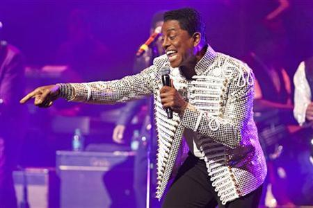 Jermaine Jackson of the musical group The Jacksons performs during the group's Unity Tour at the Apollo Theater in New York June 28, 2012. REUTERS/Andrew Burton/Files