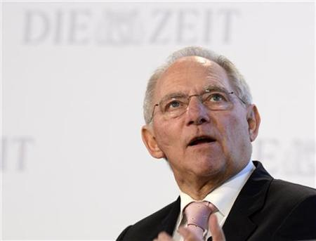 German Finance Minister Wolfgang Schaeuble delivers his speech during the ''German Economic Forum'', organized by German weekly newspaper ''Die Zeit'', in the St.Michaelis church in Hamburg, November 8, 2012. REUTERS/Fabian Bimmer (GERMANY - Tags: POLITICS BUSINESS)