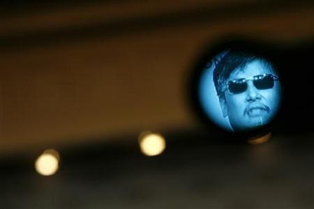 Activist and advocate Chen Guangcheng speaks at the Council on Foreign Relations in New York May 31, 2012. REUTERS/Eric Thayer