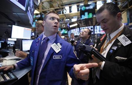 Traders work on the floor of the New York Stock Exchange, November 8, 2012. REUTERS/Brendan McDermid