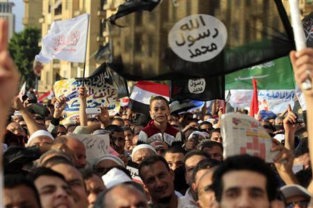 Islamist Egyptian protesters attend a demonstration by hundreds of Salafists for the enforcement of Islamic sharia law at Tahrir Square in Cairo November 9, 2012. REUTERS/Mohamed Abd El Ghany